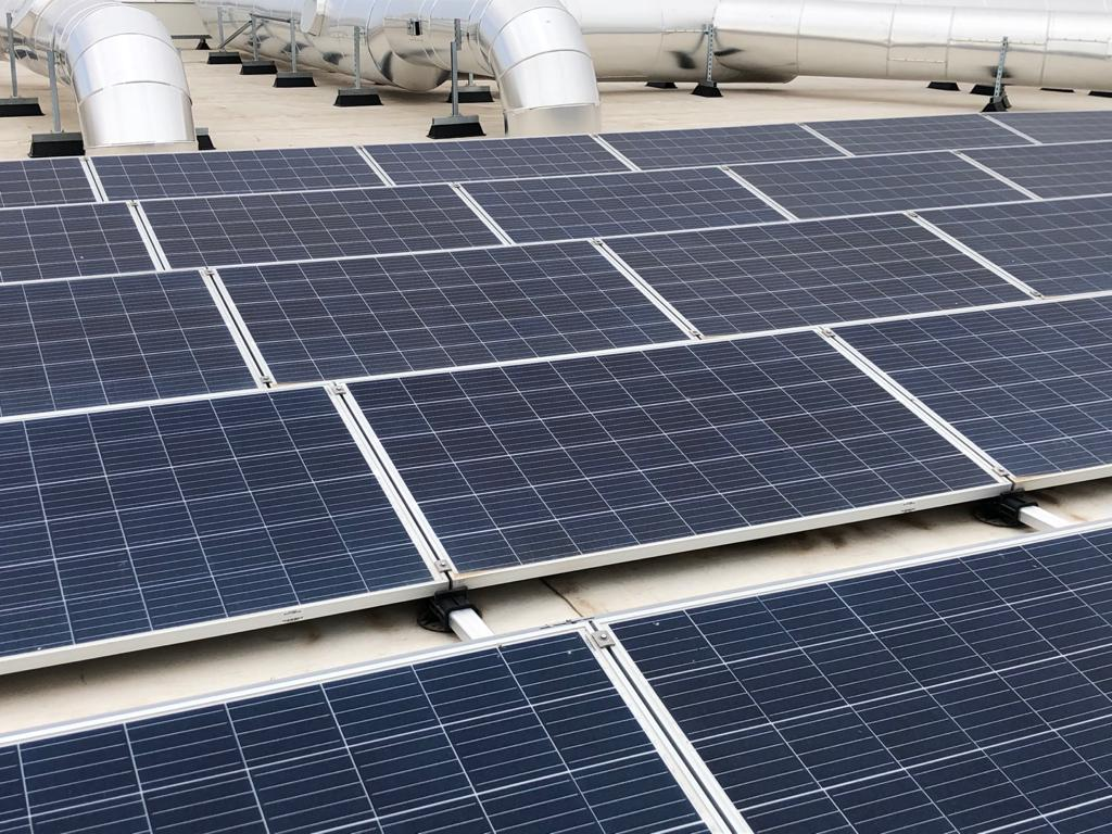 Saltoki installs solar panels with FlatFix Fusion in Spain